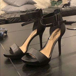 Gianni Bini black heels size 6